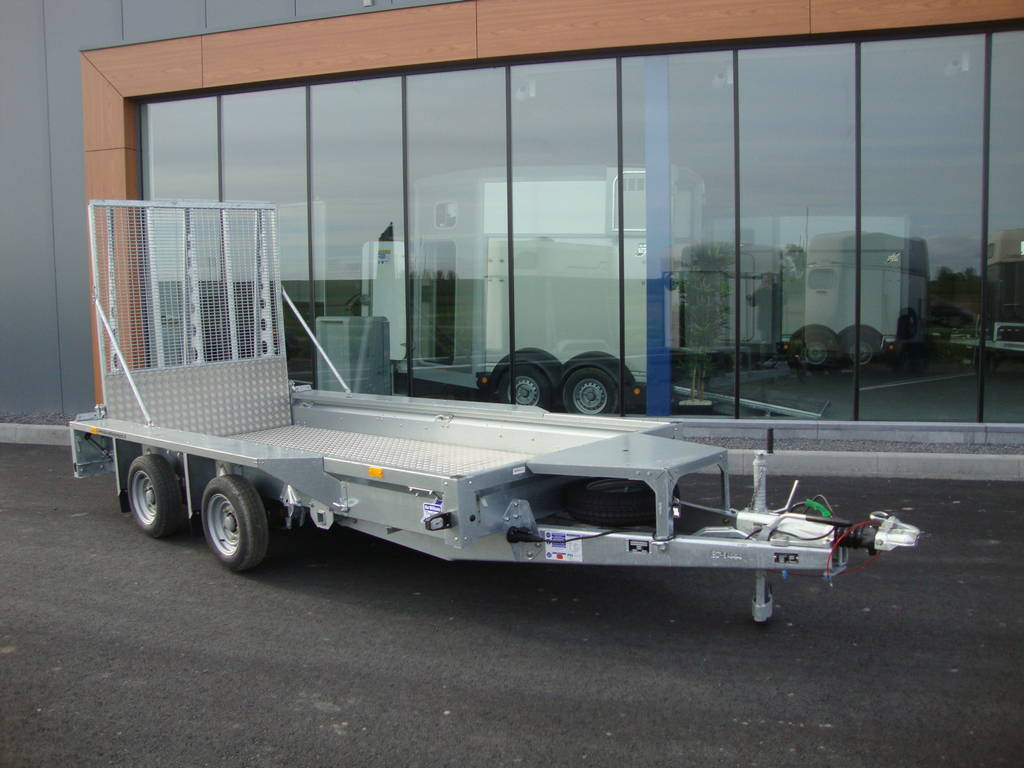 Ifor Williams machinetransporter 366x157cm 3500kg Ifor Williams transporter 366x157cm 3500kg PAK Aanhangwagens overzicht