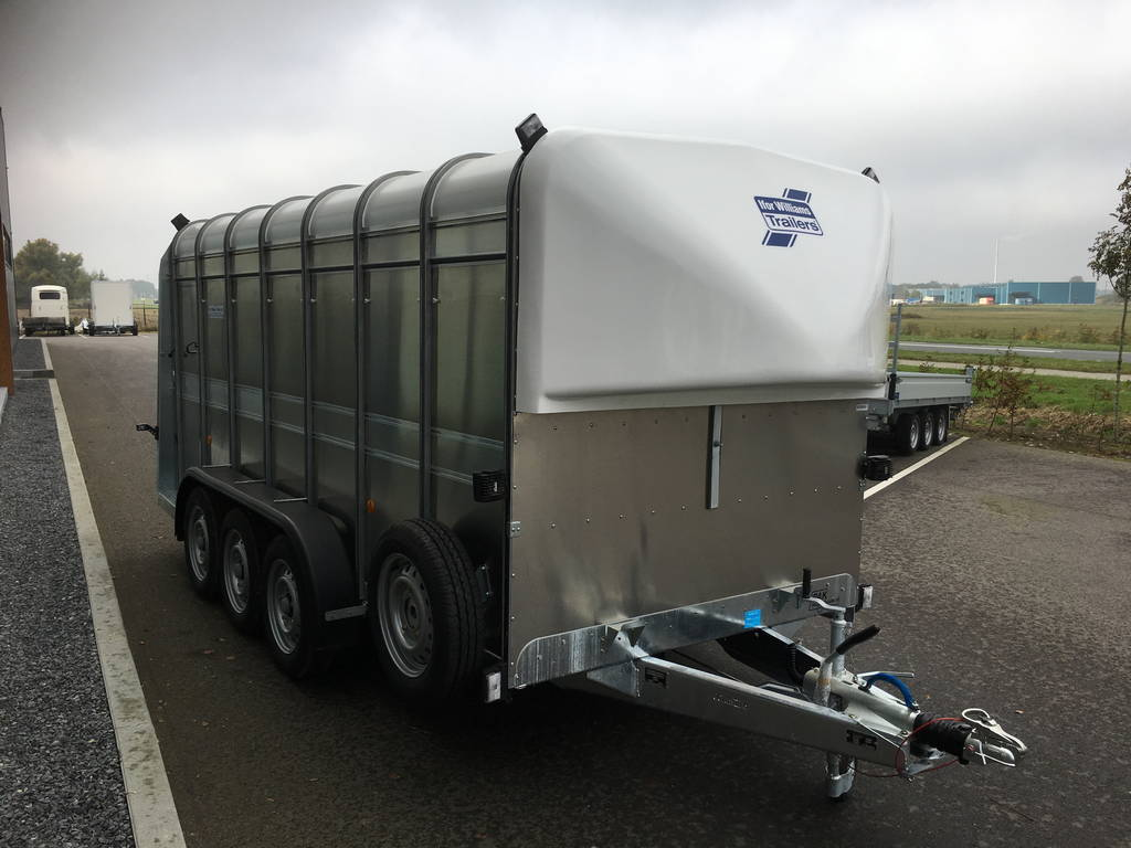 Ifor Williams veetrailer 427x178x183cm 3500kg tridemas ifor-williams-veetrailer-427x178x183cm-3-as-veetrailers-pak-aanhangwagens-zijkant-2-0