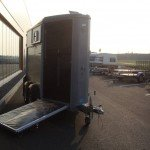 Ifor Williams HB403 1,5 paards paardentrailer zilver Ifor Williams HB403 1,5 paards trailer zilver paardentrailer PAK Aanhangwagens vooruitloop