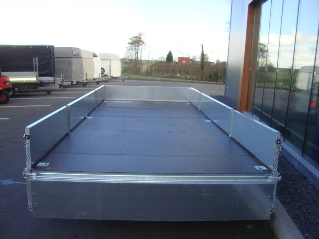 Ifor Williams plateau 547x225cm 3500kg 2-as PAK Aanhangwagens achterkant open