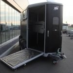 Ifor Williams HB506 2 paards paardentrailer Ifor Williams HB506 2 paards paardentrailer zwart PAK Aanhangwagens vooruitloop